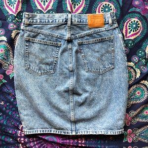 "Levi's denim pencil ""mom skirt"""